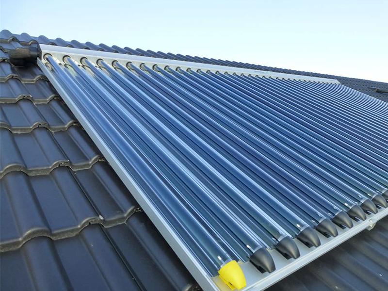 Solarkollektor auf dem Dach