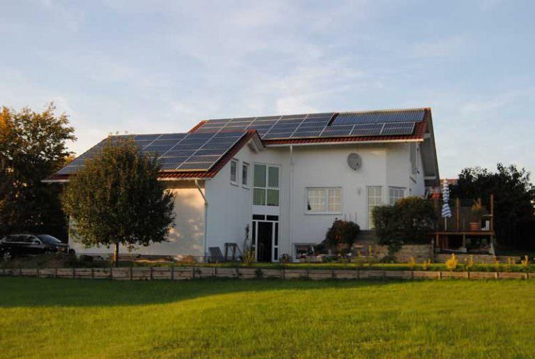 Photovoltaikanlagen mit Solarthermie in Bad Emstal